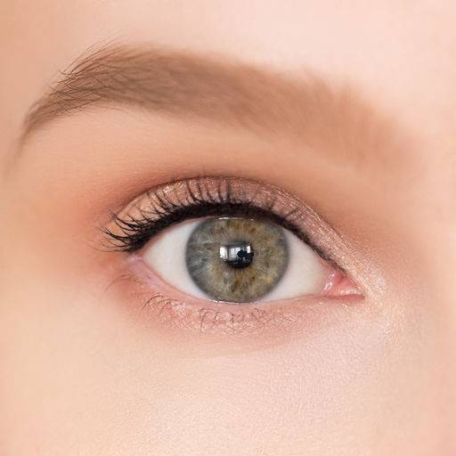 How to enlarge eyes with makeup?
