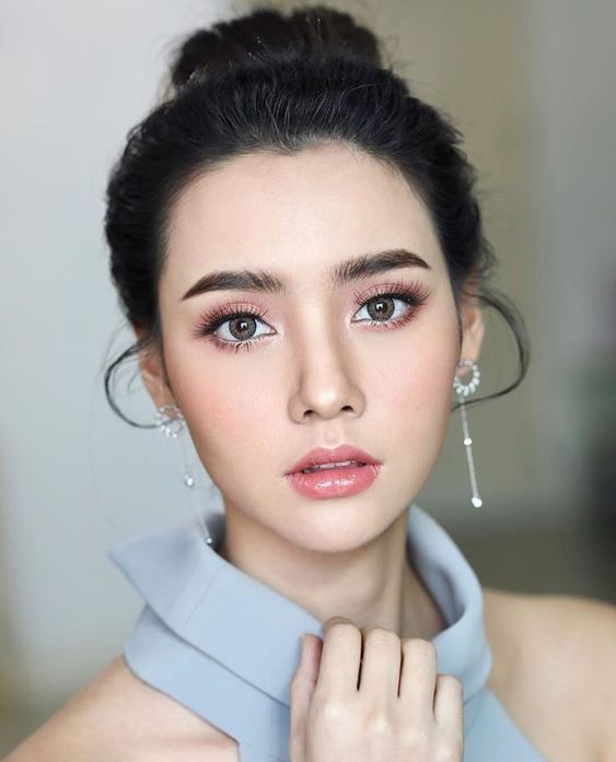 Makeup for prom: beautiful photos, tricks and techniques