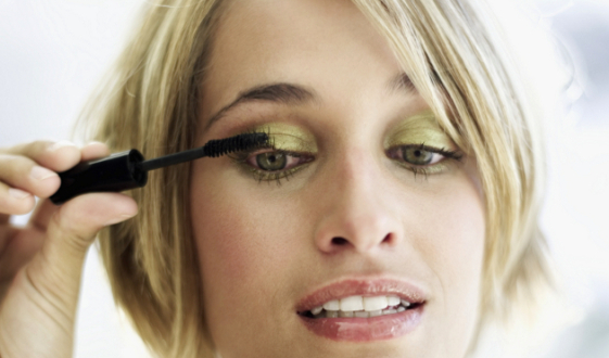 how to do makeup green eyes