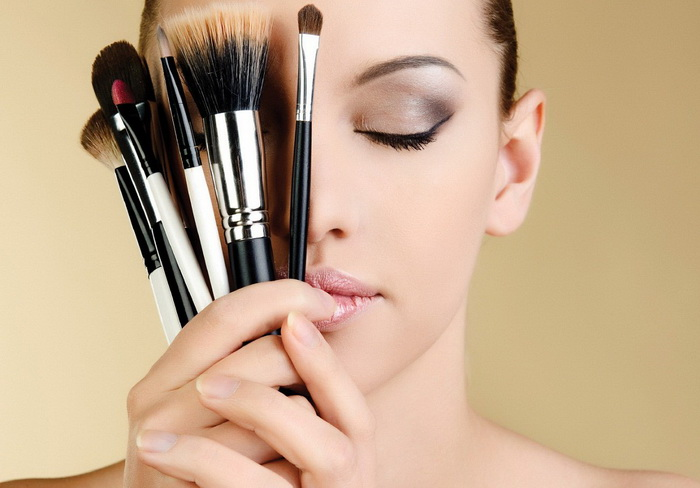 How to clean makeup brushes with duct tape.