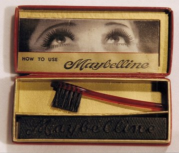 The evolution of makeup over the last 100 years: it's amazing