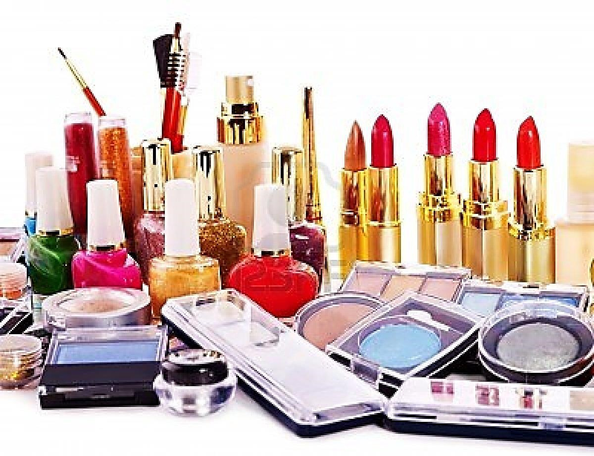 Myths and truths of cosmetics