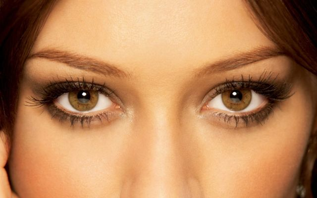Светло карие глаза